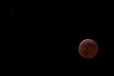Måneformørkelse med stjerner over Århus