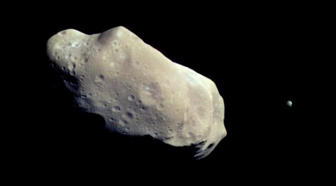 Hvad er risikoen for at ramme en asteroide med sit rumskib ?
