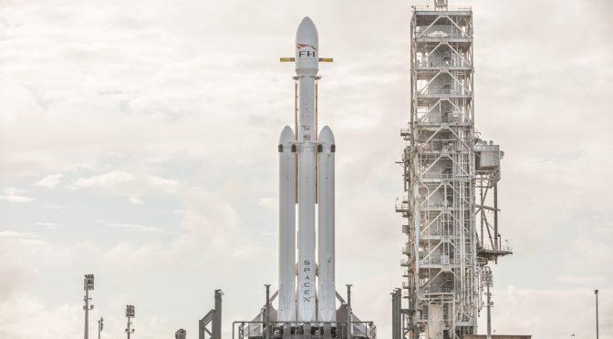 SpaceX gennemfører testaffyring af Falcon Heavy