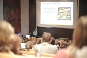 Mikkel Godsk reintroducerede den Lille Professor, et glemt 80'er ikon
