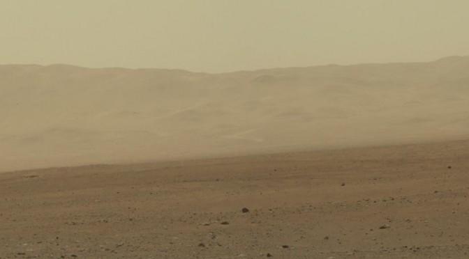 Strandsten på Mars vidner om milliarder af år gammelt vandløb