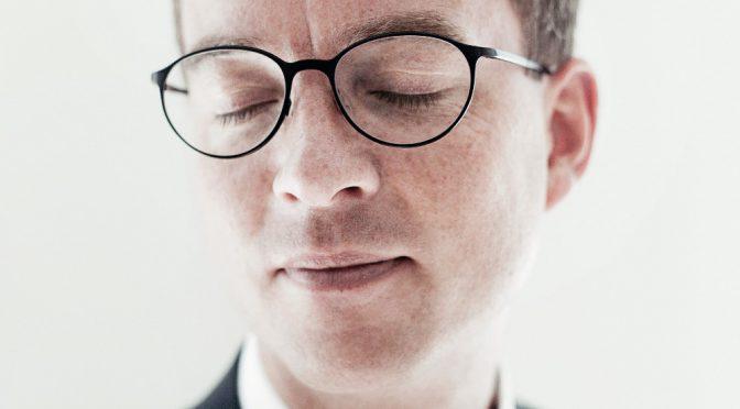 Esben Lunde Larsens uddannelse efterlader mange spørgsmål